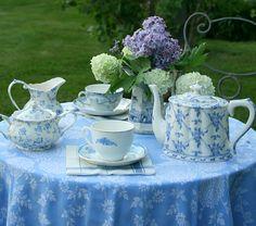 Love the blue tea set...