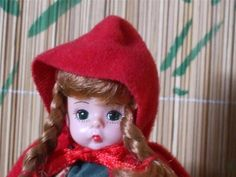 Madame Alexander McDonalds 2002 Storybook Little Red Riding Hood Dollhouse Dolls