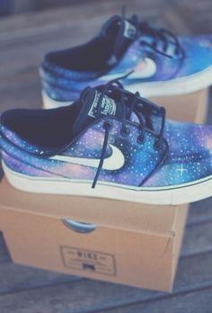 Ohmygosh. I love these.  Can someone please tell me where I can get them?