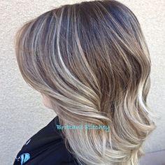 Cool platinum blonde natural ombré
