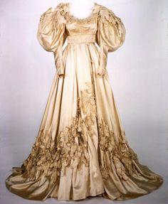 """Scarlett-Vestido de boda- """"Lo que el viento se llevó"""" 1939. Costume design by Walter Plunkett for Vivien Leigh in Gone With the Wind (1939)"""