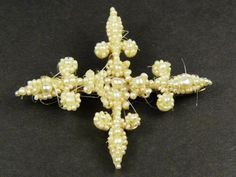 SUPERB ANTIQUE GEORGIAN ENGLISH GOLD SEED PEARL CROSS BROOCH PIN c1820
