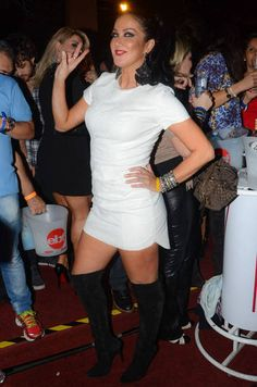 Helen Ganzarolli over knee boots