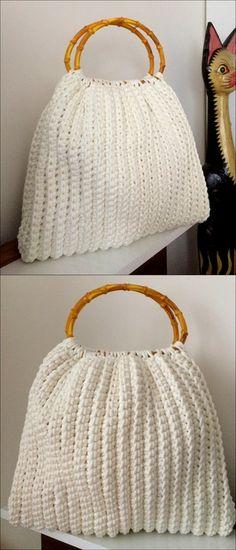 beautiful crochet pattern for ladies bag - My Favorites Bag For Women Crochet Purse Patterns, Crochet Shoes, Crochet Motif, Crochet Yarn, Free Crochet, Diy Bags Purses, Diy Purse, Crochet Handbags, Crochet Purses