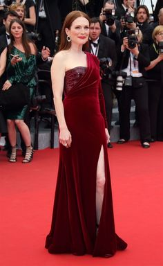 Julianne Moore in Givenchy Haute Couture