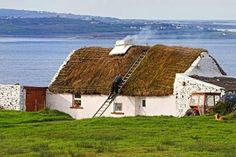 Traditional Thatch roof cottage- Ireland (by Pierre Leclerc) Irish Cottage, Old Cottage, Thatched House, Thatched Roof, Houses In Ireland, Irish Landscape, Ireland Landscape, Ireland Travel, Galway Ireland
