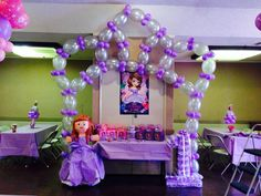 like princess crown with linking balloons