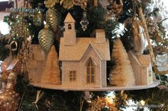 A Christmas Tree with Glitter Houses....Love it!