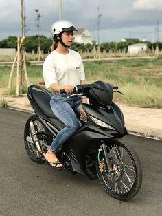 Vespa, Raiders, Bicycle, Racing, Motorcycle, Scooters, Vehicles, Wasp, Running