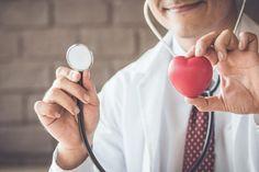 7 důvodů, proč si měřit krevní tlak: Pomůže to chránit vaše zdraví Round Sunglasses, Mens Sunglasses, In Ear Headphones, Gauche, Arms, Love, Round Frame Sunglasses, Over Ear Headphones, Men's Sunglasses