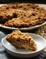 Apple-Bacon Pie with Gingersnap Crust as adapted from Mims Bledsoe via tastingtable: Serve warm or at room temperature. #Apple_Bacon_Pie #Mims_Bledsoe #tastingtable