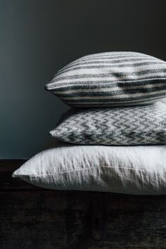 Linen and wool pillows! By molle And mexchic. Wool Pillows, Bed Pillows, Cushions, Aw17, Beautiful Interiors, My Dream Home, Interior Inspiration, Rum, Layers
