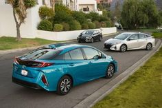 The #ToyotaPrius plug-in hybrid gets an increase in battery capacity! Here are the 2017 Toyota models #refreshed. http://www.toyotaofhollywood.com/2017-toyota-look-for-active-safety-technology-new-powertrains/