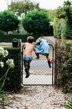 (via Est Issue 10 | Kids-Niños) ((photo the little kids sneaking away together))