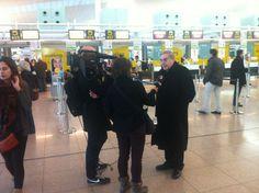 El Cardenal Sistach és entrevistat per TV3 just abans de marxar a Roma pel comiat de Benet XVI
