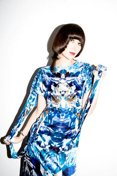 Five years later and we're still totally smitten. Read up on Karen O with our June/July 2009 cover story! Karen O, Edgy Haircuts, Rocker Girl, Women In Music, Badass Women, Female Singers, Looking Gorgeous, Me As A Girlfriend, Girl Power