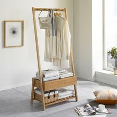Entry Furniture, Wardrobe Furniture, Diy Furniture, Furniture Design, Minimalist Home Furniture, Minimalist Room, Bedroom Decor On A Budget, Diy Home Decor, Wooden Clothes Rack