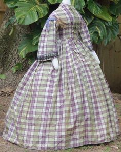 Lavender Plaid Dress c. vivid, crisp silk taffeta in purple, lilac… Civil War Fashion, 1800s Fashion, Victorian Fashion, Vintage Fashion, Vintage Outfits, Vintage Dresses, Historical Costume, Historical Clothing, Victorian Gown