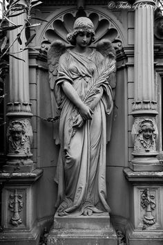 Angels in the cemetery angel sculpture, statue tattoo, sculpture. Cemetery Angels, Cemetery Statues, Cemetery Art, Statue Tattoo, Poses References, Angel Art, Rodin, Ancient Art, Sculpting