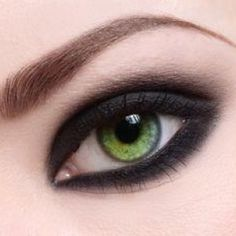 If high drama is your thing when it comes to eyeshadows, charcoal is a great choice if you've got green eyes. If you're doing a smokey eye, charcoal is a staple. The darker shade is perfect for blending and it really does make green eyes pop.