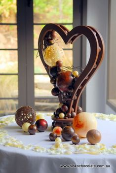 Ok, so it's not cake but this chocolate sculpture is insanely gorgeous.