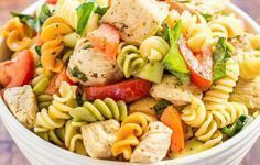 Italian Chicken Pasta Salad - Bursting with fresh flavors from juicy tomatoes, cucumber, basil, parmesan, and tender chicken tossed in a tangy lemon vinaigrette! Chicken Pasta Salad Recipes, Italian Chicken Pasta, Easy Pasta Salad, Healthy Recipes, Healthy Salad Recipes, Healthy Snacks, Cooking Recipes, Salad Chicken, Grilled Chicken
