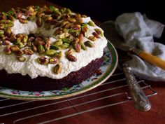 Best Cake Ever! No flour, no sugar. petite kitchen: autumn harvest carrot cake topped with vanilla cream frosting Sugar Free Baking, Sugar Free Recipes, Almond Recipes, Gluten Free Baking, Healthy Baking, Healthy Food, Real Food Recipes, Baking Recipes, Snack Recipes