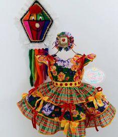 Viva São João!!!! 🎉🌽🌵🔥 ✔ Vestido ✔ Porta Chumbinho ( Mini Bag) ✔ Chapeuzinho By @donaantoniapetit Veeeemmmmmmm!!!!! Vai começar!!!! 🎈 #saojoao2018 #vestidojunino #vestidojuninoinfatil #vestidocaipira #vestidocaipirainfantil #caipirachic #vestidojeca #caipiralinda #caipiraoriginal #maedemenina #vestidoinfantil #boatardee Baby Frocks Designs, Frock Design, Rapunzel, Baby Photos, Harajuku, Princess Zelda, Rose, Kids, Fashion