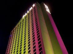 The original Palms tower in Palms Las Vegas, Fantasy Suites, Hotel Suites, Skyscraper, Tower, The Originals, Skyscrapers, Rook, Computer Case
