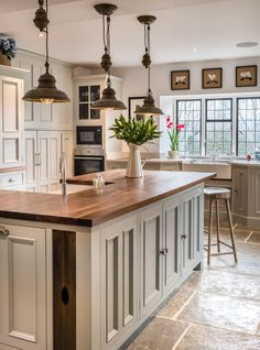 floor, cabinet, colors Hill Farm Furniture, East Midlands kitchen & bath designers, UK. Chris Ashwin photo. Pendant lighting