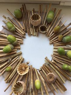 Autumn Crafts, Fall Crafts For Kids, Autumn Art, Nature Crafts, Wooden Decor, Pine Cones, Holidays And Events, Art Education, Creations