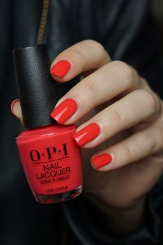 OPI We Seafood and Eat It OPI Lisbon .got this after some boring chalk peach color Opi Red Nail Polish, Opi Nail Colors, Red Manicure, Get Nails, Hair And Nails, Summer Stiletto Nails, Summer Nails, Chrome Nail Art, Shiny Nails
