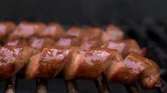 VIDEO. Couper une saucisse en spirale: la bonne idée pour le barbecue