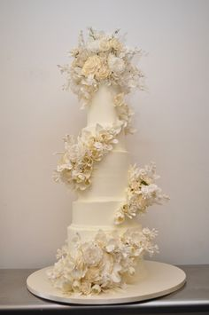 Sylvia Weinstock wedding cake. See the post at http://tulleandtwine.com/2013/11/4/dream-vendor-sylvia-weinstock-cakes