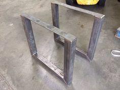 Metalen tafelonderstel in U-vorm