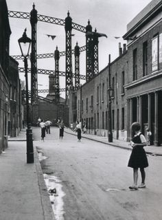 Wolf Suschitzky's photograph of a street in the East End of London, 1934