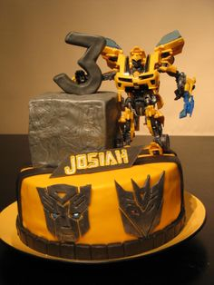 Bumble Bee Transformer Cake...yeah this is what my son wants. Lets see if mama can pull this off.