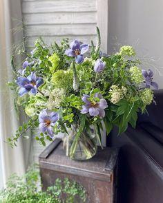 31 vind-ik-leuks, 0 opmerkingen - Floraddiction Workshop (@floraddiction) op Instagram: 'Stay home with fresh florals . . . . . . . . . . . . .…' Veronica, Florals, Floral Wreath, Workshop, Wreaths, Fresh, Plants, Instagram, Home Decor