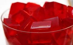 This page contains finger Jello (gelatin) recipes. Finger Jello is just that a firmer version that is easily cut into shapes and eaten with your fingers. Jello Gelatin, Gelatin Recipes, Sugar Free Snacks, Sugar Free Jello, Gelatina Jello, Finger Jello, Food Meaning, Acide Aminé, Lemon Chicken