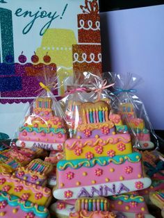 Tiered cake cookies . Idea from chapix cookies