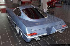 Questo mockup di legno della Lamborghini 350 GTV sembra certo sorprendente