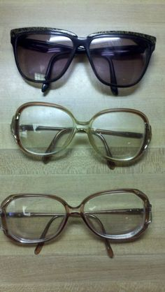 Vintage Ellen Tracy shades and other old fashionable frames.