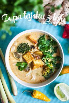 Zupa tajska, czyli jedna z moich ulubionych. Tą można by nazwać Tom Yum Tofu. Tom  znaczy tyle co wywar, natomiast Yum  oznacza ostro-kwaś...