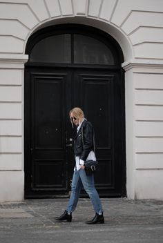 HOW TO STYLE THE CORSET Zara biker jacket Neon rose corset Monki denim Acne boots Gucci bag Street style Bykrog