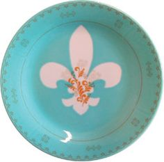 Rehabilitated dishware by Sarah Cihat. Like the concept of upcycled plates.