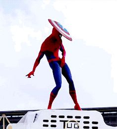 Captain America's shield is worn on Spider-Man's head.Funny spiderman - - Captain America's shield is worn on Spider-Man's head.Funny spiderman Marvel & DC Captain America's shield is worn on Spider-Man's head. Marvel Jokes, Marvel Funny, Marvel Dc Comics, Marvel Avengers, Marvel Heroes, Spiderman Marvel, Spiderman Dancing, Spiderman Spiderman, Funny Comics
