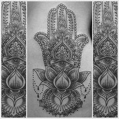 #tattoo #tattooist #hamsa #hamsatattoo #geometrictattoo #lotustattoo #scribbleink