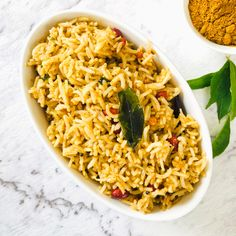 SpicyTamarind - Rice & Bread - Curry Leaves Rice Rice Bread, Indian Food Recipes, Ethnic Recipes, Powder Recipe, Aromatic Herbs, Indian Kitchen, Curry Leaves, Vegan Options, Rice Dishes
