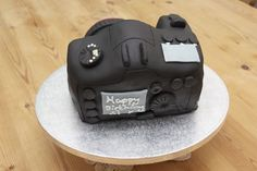 I wanted to share with you how to make a camera cake ! I made this cake for my friend Si& birthday. His lovely girlfriend Wendy d. Easy Cake Decorating, Cake Decorating Tutorials, Best Moist Chocolate Cake, Camera Cakes, Making Whipped Cream, Pound Cake, Creative Food, Themed Cakes, Projects To Try