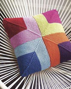 #knitting#knittersofinstagram#örgü#örgümüseviyorum#örgülü#örgüoyuncak#örgüaşkı#crochet#crochetaddict#tığişi#elişi#handmade#patik#battaniye#yastık#pillow#elyapımı#home#homesweethome#çeyiz#evim#homedecor#severekörüyoruz#örgübattaniye#knittingaddict#pattern#amigurumi#çanta#çeyiz